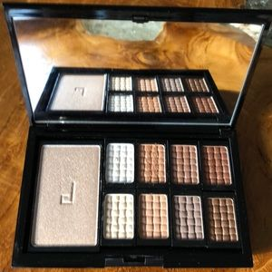 Doucce // Freematic Eyeshadow Pro Palette Nude